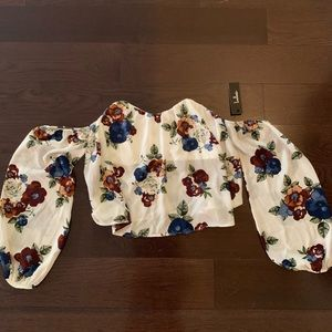 LuLus off the shoulder floral crop top. New w/ tag